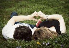 现代爱情故事,绣花荷包里的秘密